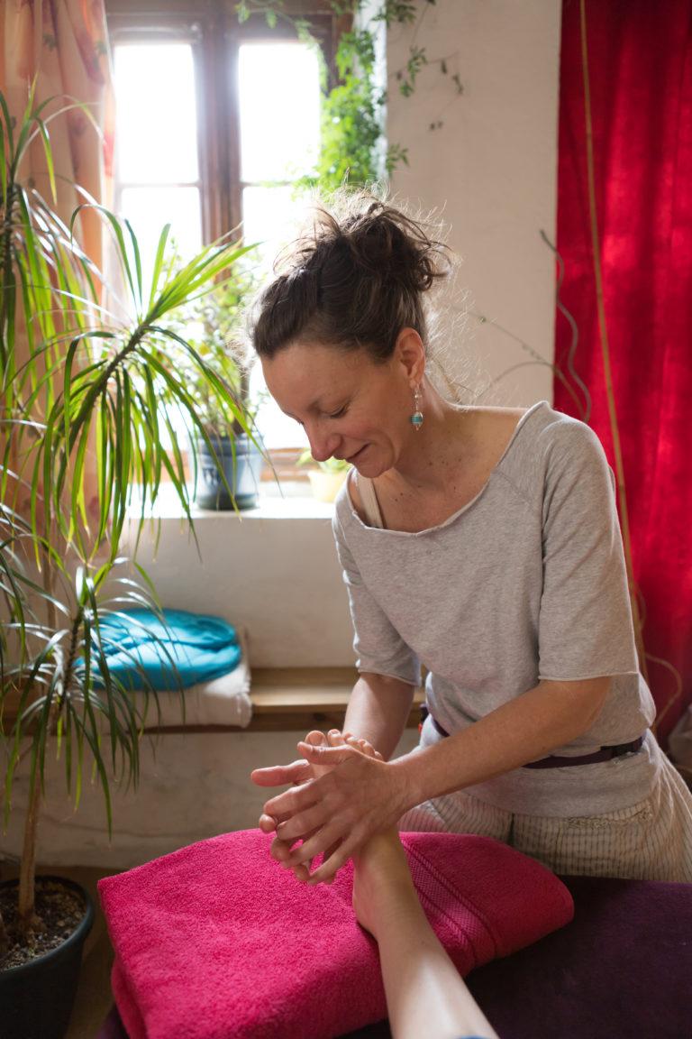Clara Guégan Massage energetique taoiste chi nei tsang dinan centre ville